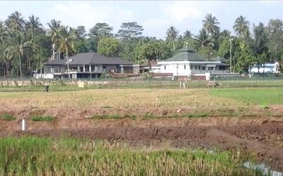 Lintas Ziarah dan Berdoa di Makam KH Mahfudz Ridwan LC Kab. Semarang