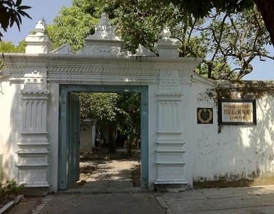 WIsata Religi dan Berdo'a di Makam Kyai Ageng Henis Laweyan Solo