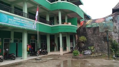 Pesantren Abu Manshur Cirebon